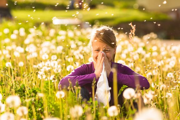 Ways You're Aggravating Those Allergies