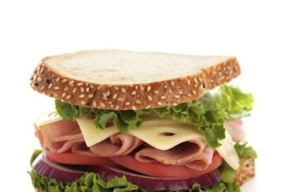 Die 10 schlechtesten Mittagessen für Ihre Kinder