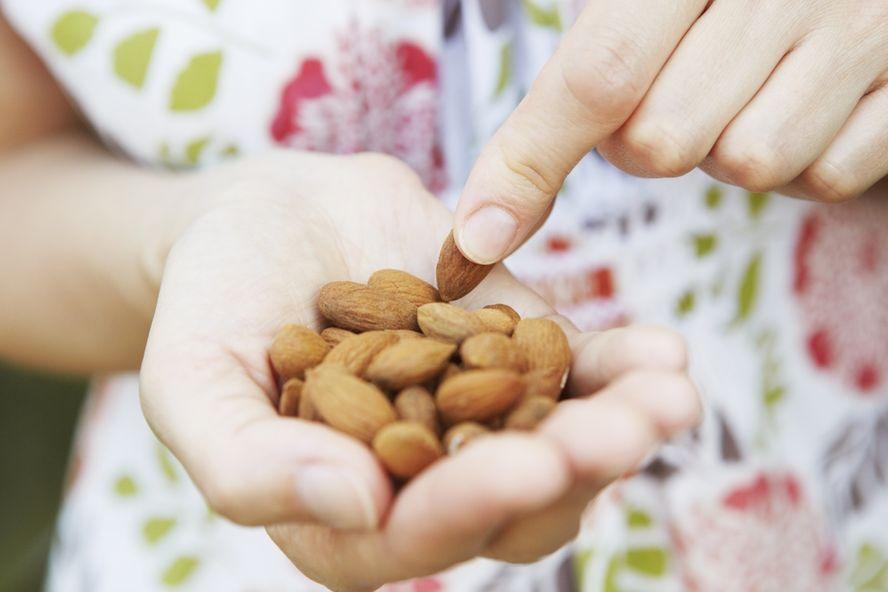 ¡Llene de nutrientes su dieta con un delicioso puñado de almendras!
