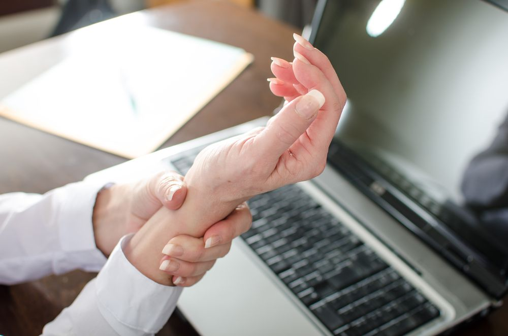 Common Symptoms of Carpal Tunnel Syndrome
