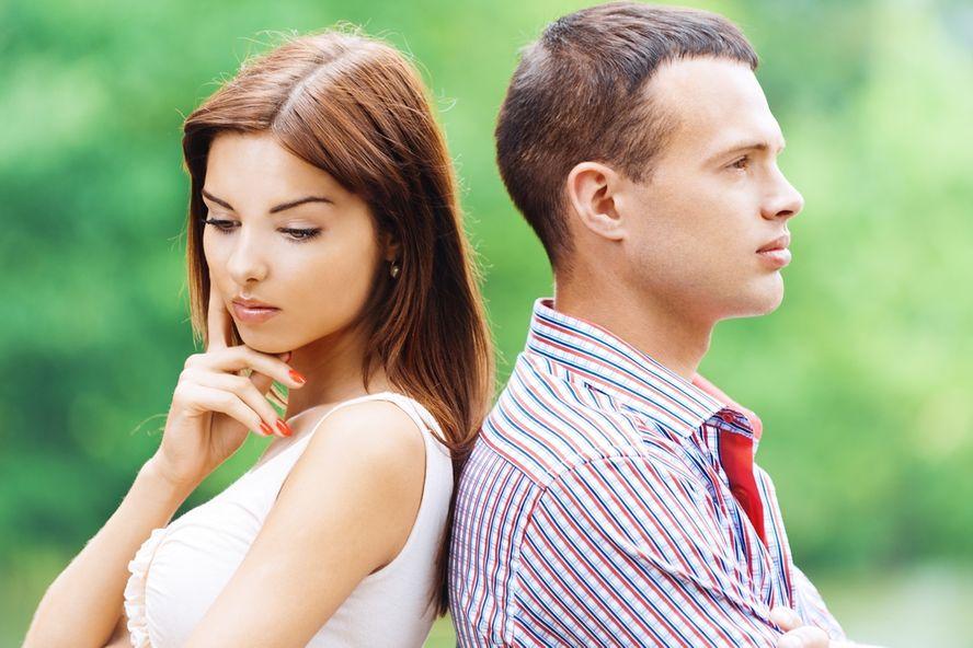 10 Segnali del Fatto che Sei Intrappolata in Una Relazione Violenta