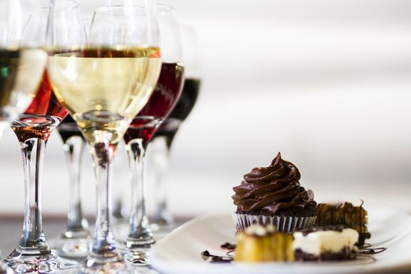 8 Ways Alcohol is Completely Ruining Your Diet!