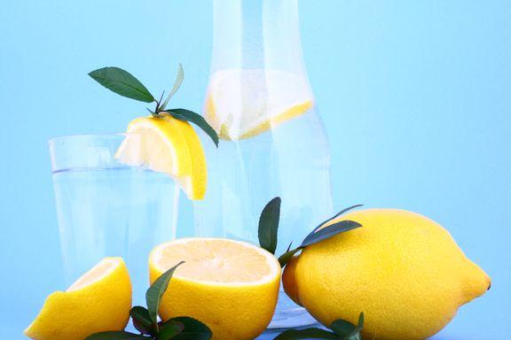 10 maneras fáciles de beber más agua durante el día