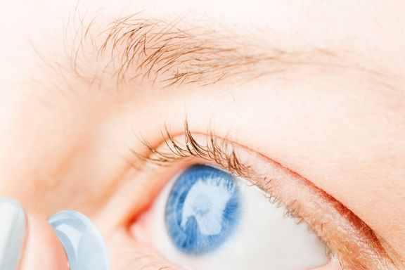 "Google Testing ""Smart"" Contact Lens That Monitors Blood Sugar Levels"