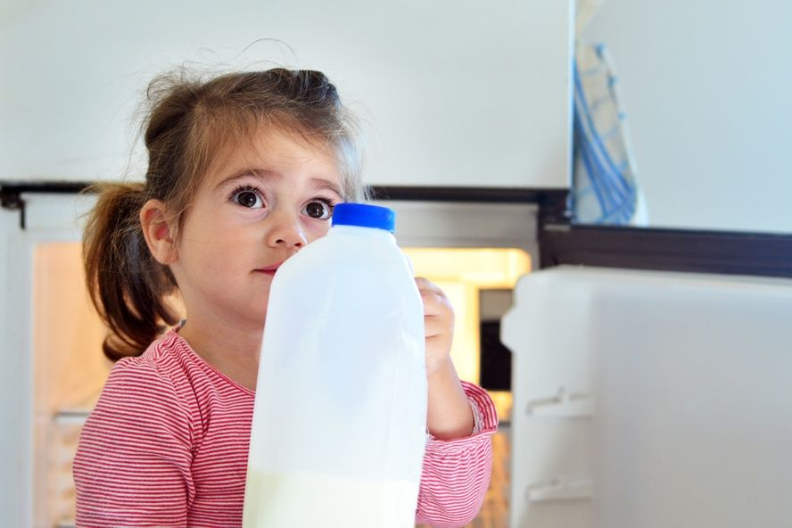 Kids Who Don't Drink Cow's Milk Have Lower Vitamin D Levels, Study Finds