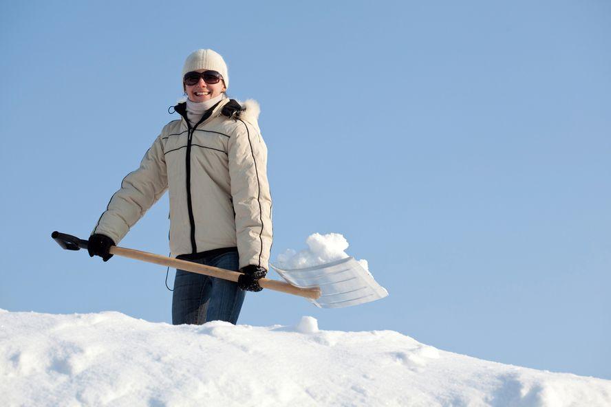 10 Consigli per Spalare la Neve in Sicurezza