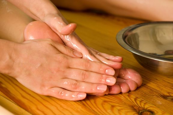 8 Soothing Treatments for Dry Winter Tootsies