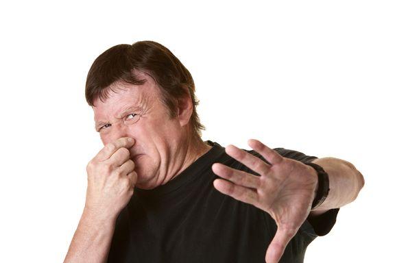 8 Signes et Symptômes des Kystes Pilonidaux