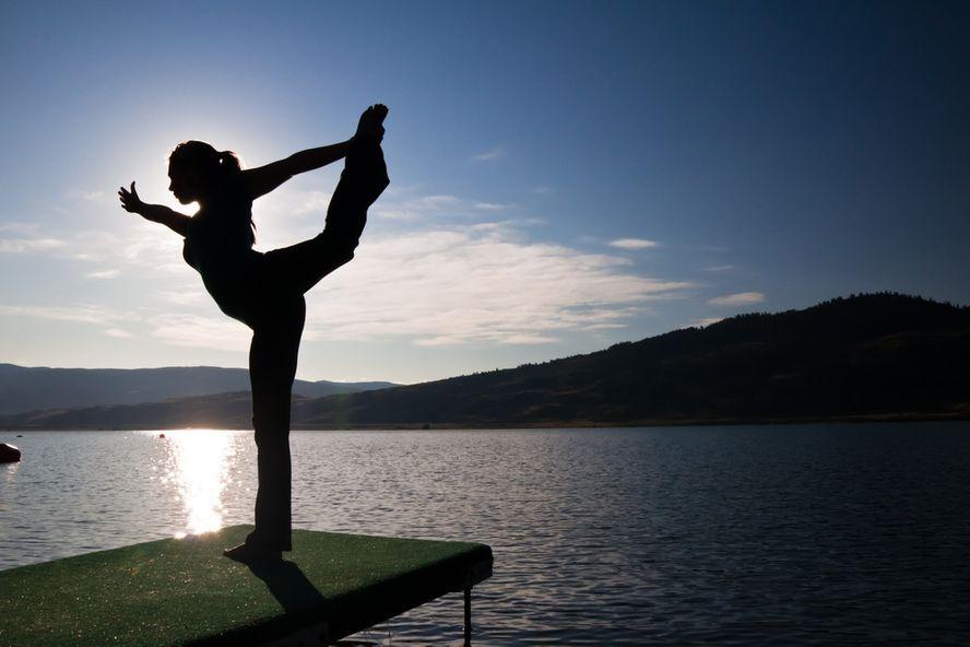 6 maladies chroniques qui peuvent être traitées à l'aide du yoga