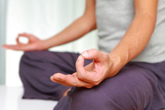 8 raisons de faire du yoga pour les hommes