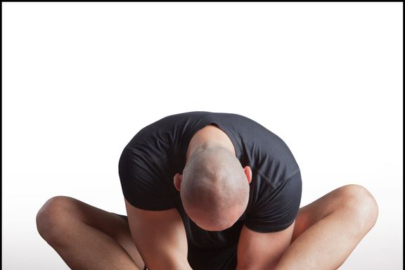 8 Reasons Why Dudes Should Do Yoga
