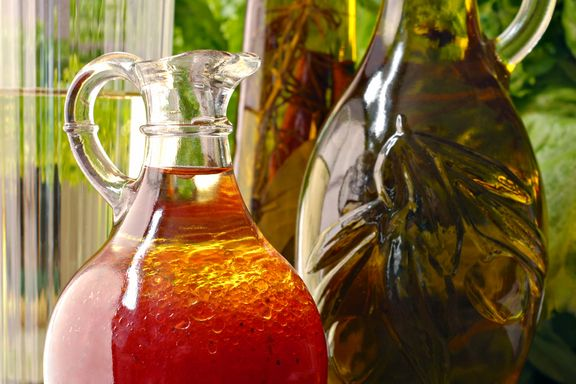 8 Healthy and Delicious Salad Dressings