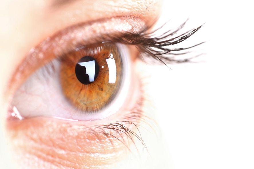 12 causes d'yeux rouges et de maux oculaires