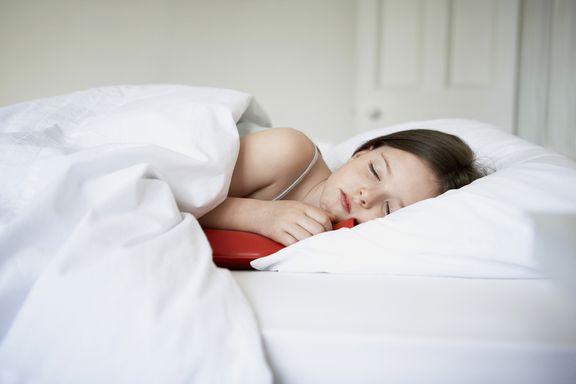 12 consejos para ayudarle a dormir en las noches calurosas de verano