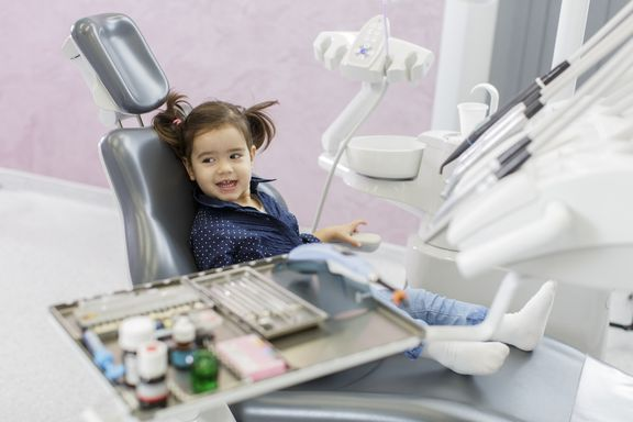Parents Should Take Young Children to See the Dentist, Study Finds