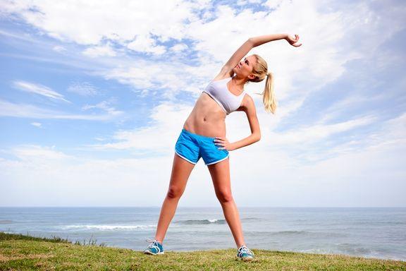 10 posizioni Yoga per Sgranchire Tutto il Corpo