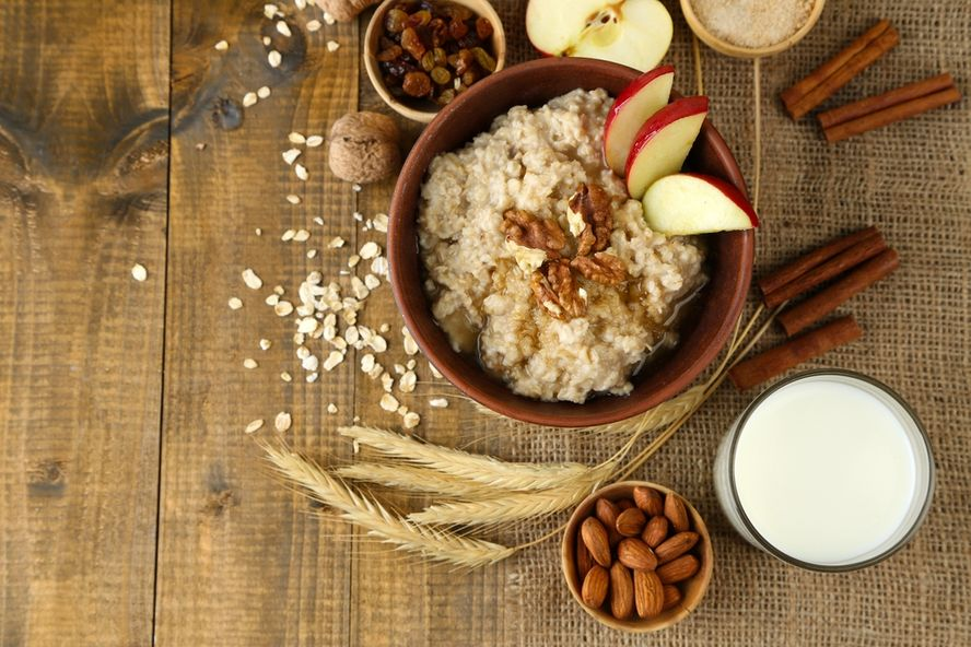 Oatmeal vs. Cereal: Which is the Breakfast Champion?