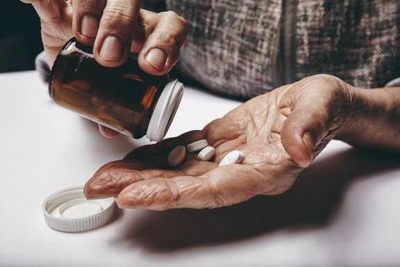 Dementia Drugs Could Damage Kidneys in Seniors, Study Suggests
