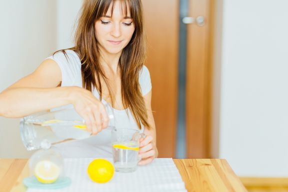 The Incredible Health Benefits of Drinking Lemon Water