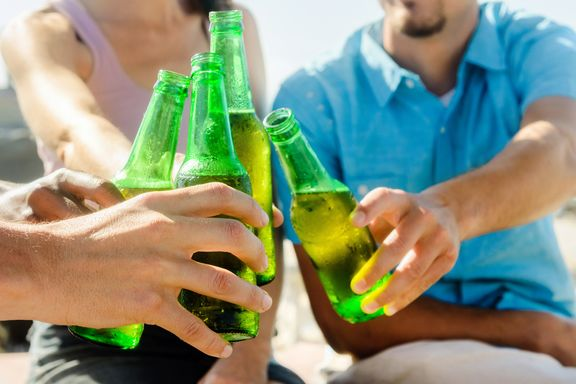 Binge Drinkers Not Always Alcoholics, Study Finds