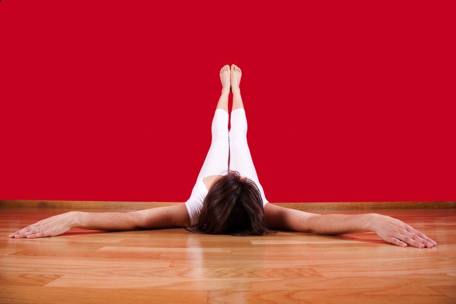 Siete posturas de yoga que lo ayudan a dormir mejor
