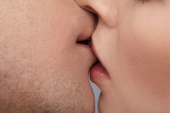 Millions of Germs Exchanged with Every Kiss, Study Finds