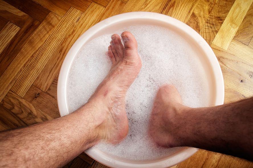 Diez soluciones efectivas para acabar con el mal olor en los pies