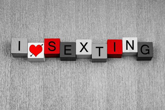 """Sexting"" Popular, Healthy for Relationships, Survey Shows"