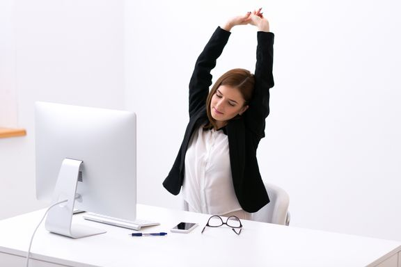 6 Ways to De-Stress at a Desk