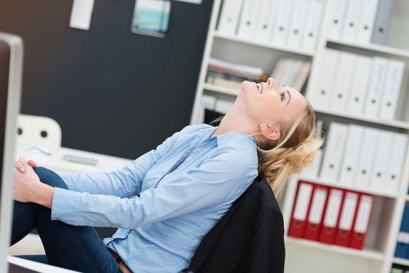 5 Étirements à faire sur  votre Chaise de Bureau
