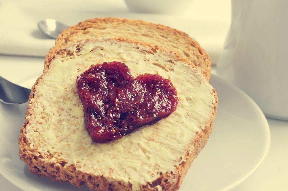 Whole Wheat Bread Vs. White Bread: Which is Healthier