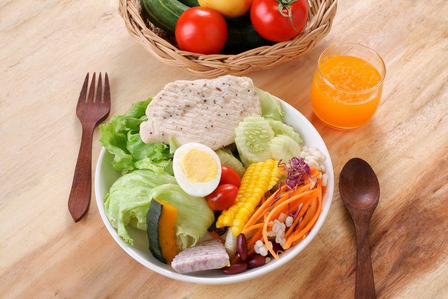 Seis maneras de incorporar más verduras a su desayuno