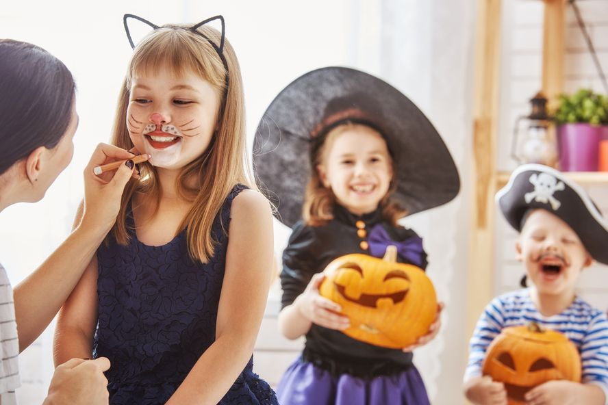 Ways to Keep Kids Safe This Halloween