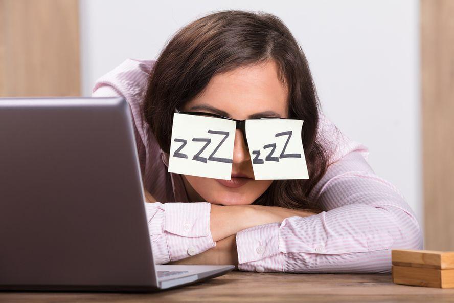 Signos de deficiencia de vitamina B12 en mujeres (así como causas, tratamiento y más)