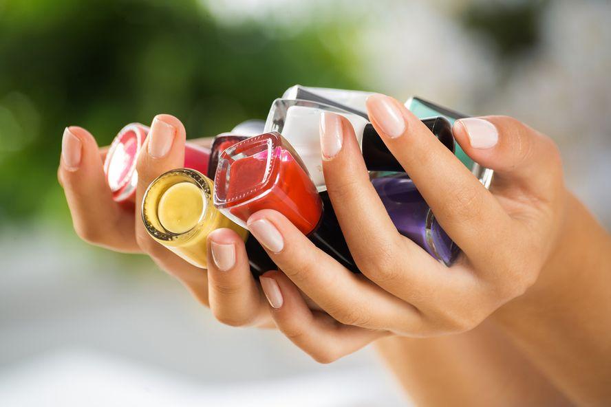 Siete sustancias químicas tóxicas ocultas en los esmaltes de uñas