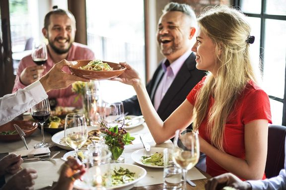 Tips for Making Healthier Restaurant Choices...from Real Nutritionists