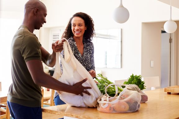 Tips to Keep Grocery Shopping Healthy and Economical