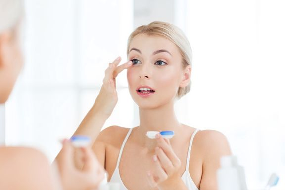 8 Clear Tips for Contact Lens Hygiene