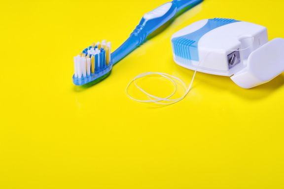 6 Helpful Tips to Introduce Flossing to Children