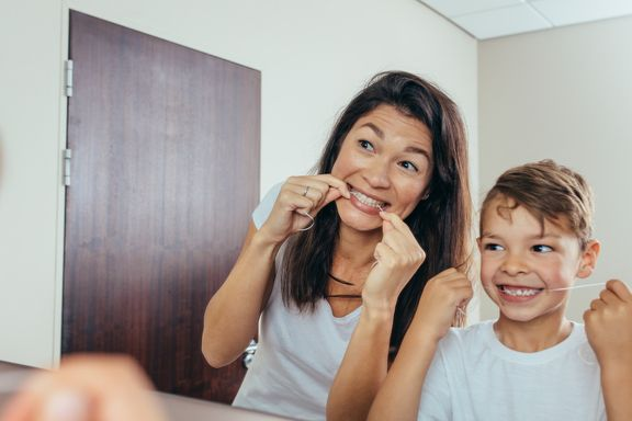 Helpful Tips to Introduce Flossing to Children