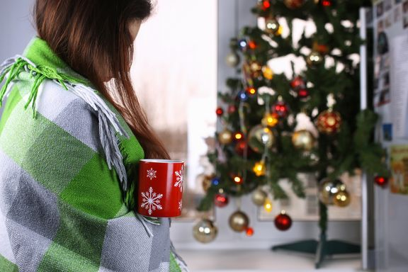 Video: How to Healthfully Spend the Holidays Alone