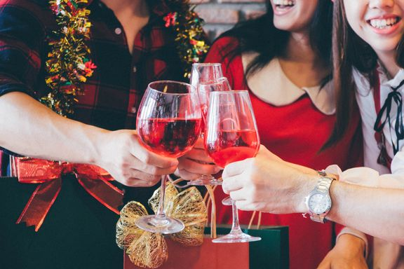 Low Cal Tips for Surviving Christmas Party Season