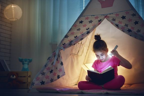 6 Creative Alternatives to Reading to Children at Bedtime
