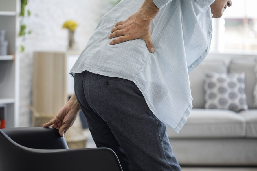 Causes of Lower Back Pain in Seniors