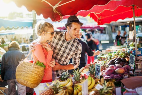 Popular Foods You Should Buy Direct From Farmers' Markets