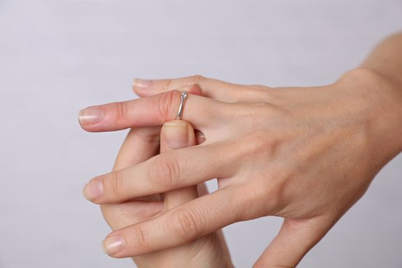 Common Causes of Swollen Fingers