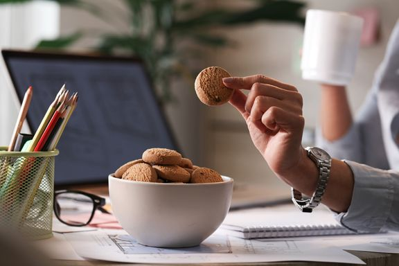Tips to Prevent Overeating While Working from Home