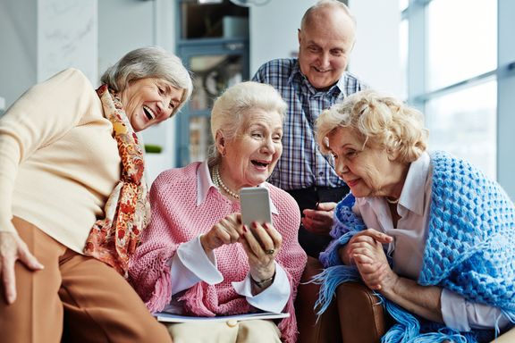 Hassle-Free Cell Phone Providers Seniors Should Use
