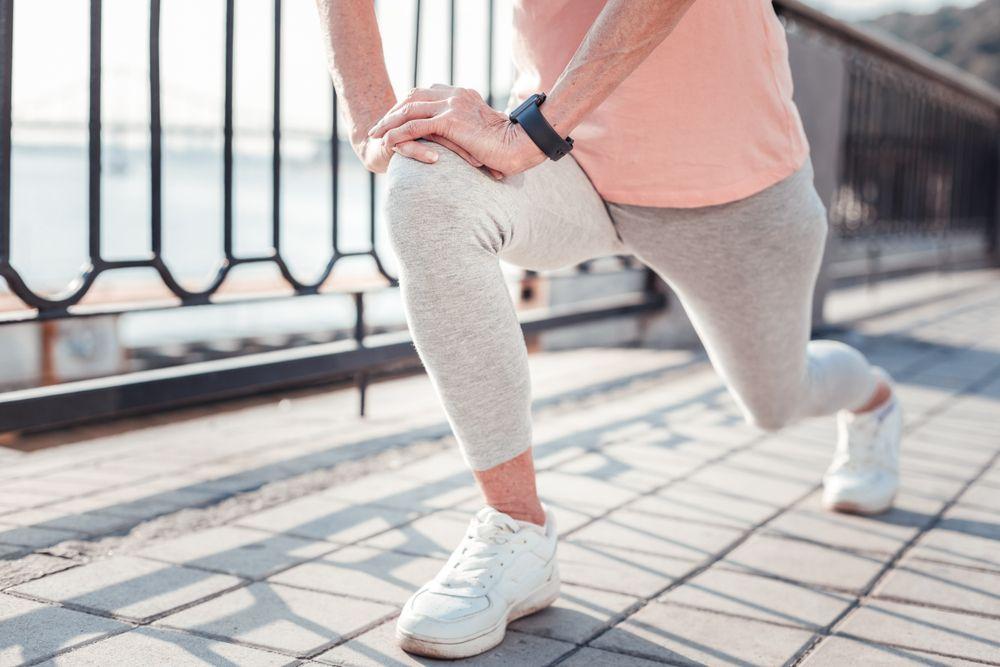 Senior Exercises To Help Strengthen Your Legs - ActiveBeat