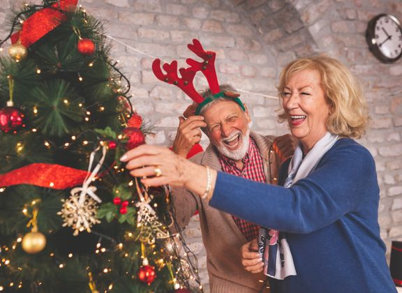 Safe Ways Seniors Can Celebrate the Holidays in 2020